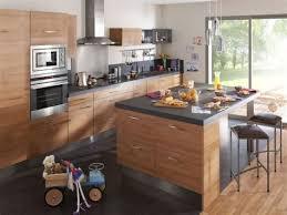 cuisine centrale toulouse table de cuisine centrale ilot 17 idee deco mur derriere