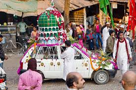 Decorated Car Decorated With Mosque Dome U0026 Minaret On Its Roof Eid Milad Un