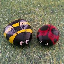 Painting Rocks For Garden Small Bee Large Bumble Bee Garden Rocks Pinteres
