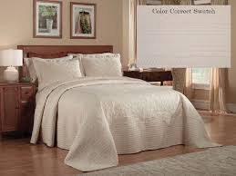 Solid Color Quilts And Coverlets 81 Best Bedspreads And Coverlets Images On Pinterest Bedspreads