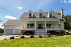 what is a colonial house what is a split foyer house trgn c1e894bf2521