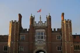 How To Spend A Day At Windsor Castle U0026 Hampton Court Palace