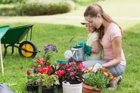Garden Gift Ideas The Best Gardening Gifts For S Day Gardener S Path