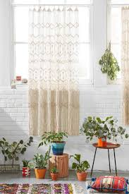 Urban Outfitters Waterfall Ruffle Curtain by Best 25 Urban Outfitters London Ideas On Pinterest Blackout