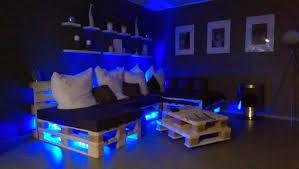 sofa mit beleuchtung paletten sofa selber bauen wirklich so einfach