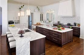 cuisine avec brique comptoir de cuisine en bois naturel tuile mur brique blanche