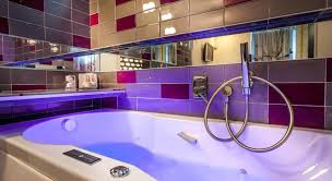hotel avec baignoire baln dans la chambre 5 hôtels romantiques à avec baignoire sexyhotelsparis