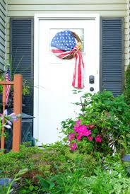 Porch Flag How To Make An Old Glory Patriotic Wreath The How To Home