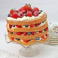 genoise sponge cake with berries baking mad