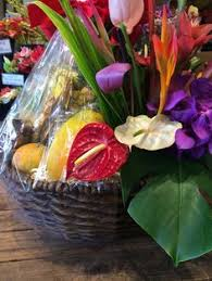 cing gift basket tropical splendor an authentic hawaiian gift basket with a