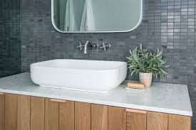 28 cool u0026 collected bathroom decorating ideas canvas factory