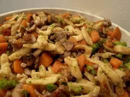 cuisiner des spaetzle spaetzle poélées aux légumes et lardons mercredirose
