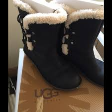 ugg s kaleen boot 26 ugg shoes nwt ugg boots fur lined acadia 8 from