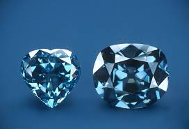 diamond bombarded with ultraviolet light the blue hope diamond glows red