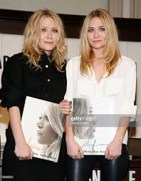 Barnes And Noble Union Square Nyc Ashley Olsen And Mary Kate Olsen Sign Copies Of