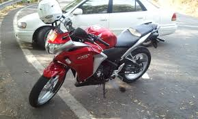 honda cbr cc and price 100 cbr bike cc bajaj pulsar rs200 vs yamaha r15 v2 0 vs