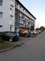 file a three story building of the honved street housing estate