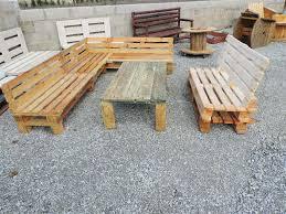 fabrication canapé en palette fabrication d un salon de jardin en palettes pallets outdoor