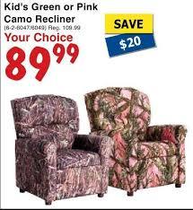 peaveymart kid u0027s green or pink camo recliner redflagdeals com