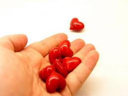 سؤال و كل واحد يجاوب بصراحة هل الحب؟؟؟؟؟؟.  Images?q=tbn:ANd9GcR4h9M1-ZzZ71okgyHifp5jfes01tQoHyvHJteU1fUCRBgPPMUEeQ