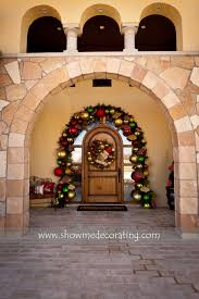Outdoor Christmas Garland by Love Love The Big Bulbs On This Arch Garland Front Door Welcome