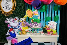 Alice In Wonderland Baby Shower Decorations - kara u0027s party ideas alice in wonderland 1st birthday party via