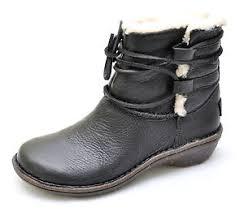 ugg womens caspia ankle boots ugg australia caspia black leather sheepskin ankle boots s 6