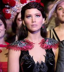 go behind the scenes of hunger games catching fire with costume