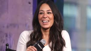 joanna gaines returns to no 1 on top tv personalities chart