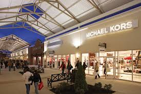about philadelphia premium outlets a shopping center in