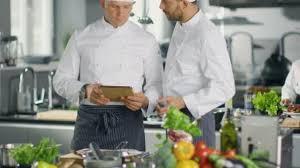 chefs de cuisine celebres deux célèbres chefs échange idées sur vidéo recette ils