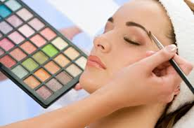 how to become a pro makeup artist what qualities you should for this makeup artists
