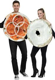 deguisement de couple halloween salmon cream cheese bagel duo costume halloween pinterest
