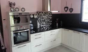 cuisine blanche plan de travail noir cuisine blanche avec plan de travail noir great cuisine amnage