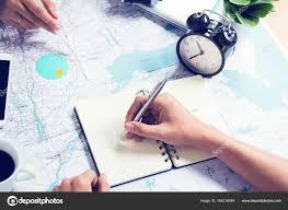 carte au bureau écriture note et conseils pour voyager sur la carte au bureau