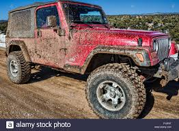 muddy jeep cherokee jeep trail stock photos u0026 jeep trail stock images alamy