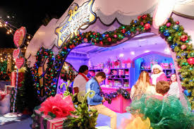 Universal Studios Christmas Ornaments - reasons we can u0027t get enough of grinchmas at universal studios