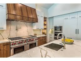 kris jenner kitchen khloe kardashian house calabasas kris jenner