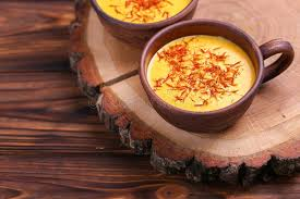 curcuma en cuisine indian turmeric with saffron cardamom and turmeric copysp