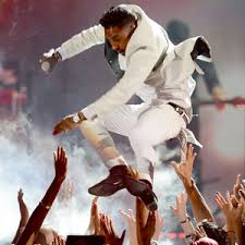 Miguel Meme - miguel s fan kicking mishap at billboard music awards becomes a