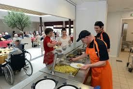 atelier cuisine th駻apeutique cuisine th駻apeutique ehpad 28 images maison de retraite m 233