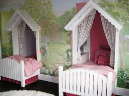 twin canopy beds for girls jpg 1047 784 pitter patter