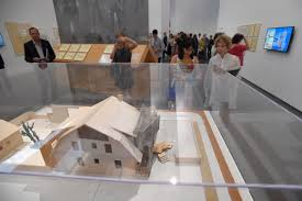 lacma celebrates famed los angeles architect frank gehry with new