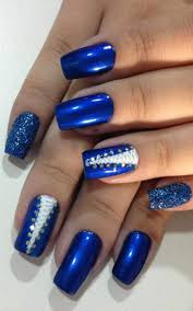 elegant royal blue nail designs to wear at the office