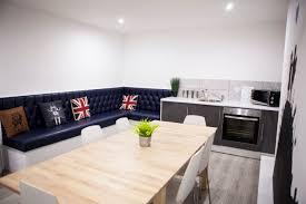 Kitchen Design Liverpool Bedzzzz Fleet Street Comfortable Apartment With Kitchen Near