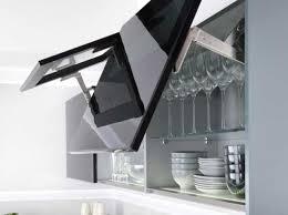 meuble haut cuisine noir laqué les placards de cuisine les plus pratiques ce sont eux