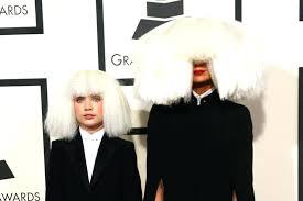 Sia Chandelier Lyrics Youtube Chandelier Sia Maddie Ziegler Singer Sia And Dance Moms Star