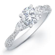 Beautiful Wedding Rings by Best 25 Side Stone Engagement Rings Ideas On Pinterest Three