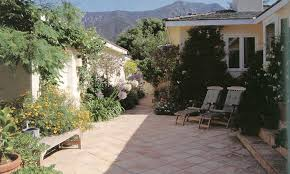 style courtyards pacific horticulture society the mediterranean garden image