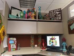 cubicle decorating kits cubicle decor from fluorescent lights house design and office